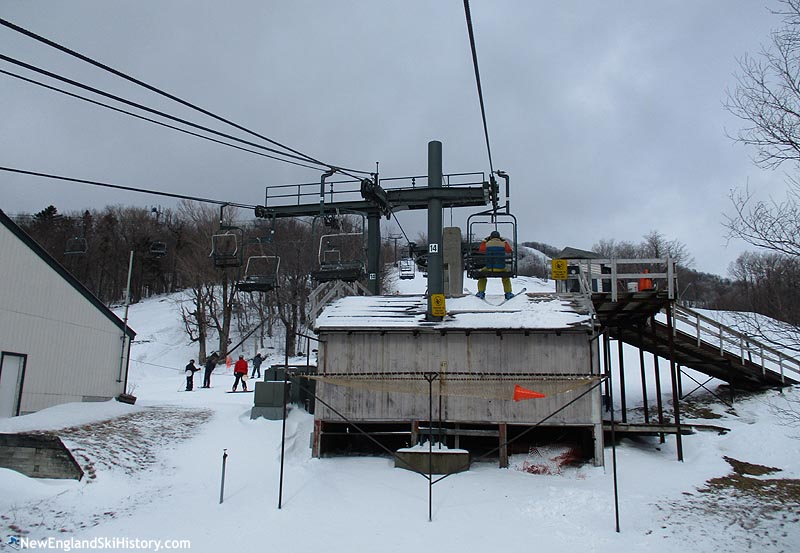 The lift line (right) (2018)